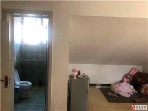 新泉小区4室2厅2卫1250元/月