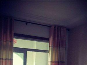 香驰・正苑3室2厅1卫1200元/月