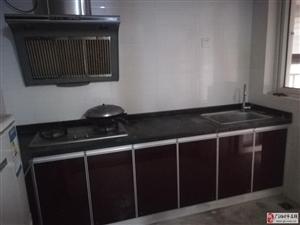 塞纳湾10楼3套1中等装修家具家电齐全1100元