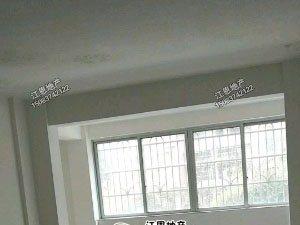 中心学区房4室2厅2卫67.6万元