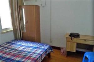 文乡东路1室1厅1卫750元/月
