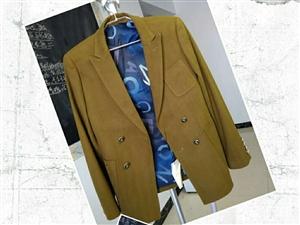 出售品牌男士(样衣)休闲西服出售500件