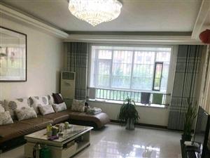 名士豪庭3室2厅2卫175�O+储藏室,惊爆价!