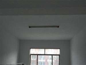 锦绣家园独院6室3厅2卫180万元