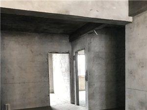 长阳清江市场小区3室2厅2卫30万元出售
