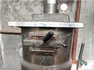 出售80采暖炉和4组铸铁暖气片(每组一百多斤沉)