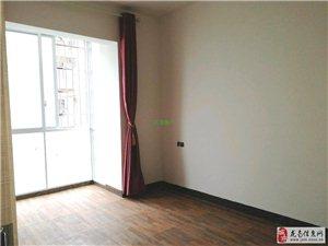 龙翔国际简装3室2厅2卫82万元