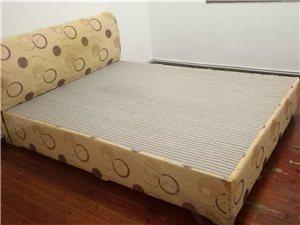 便宜卖床、沙发、茶几