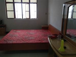 李夹空菜场附近3室2厅1卫精装拎包入住独门独院