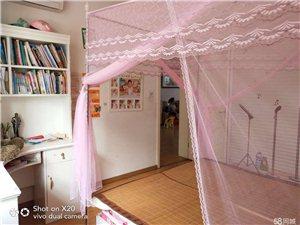 美佳房产华龙嘉园3室2厅2卫带车库66.8万元