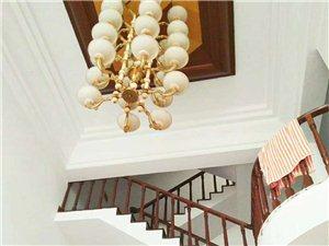 五一三路天地房8室3厅4卫168万元