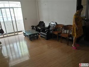 �k都综合市场住房出租,挨着香山中学