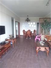 出租三房伊比亚河畔3室2厅2卫3000元/月
