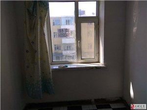 1室1厅1卫500元/月一中学区三楼全屋南向