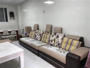 尚学领地精装修2室1厅2卫2500元/月