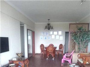 出售一线河景房,伊比亚3室2厅精装修205万