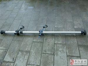 出售二手挂自行车顶天立铝合金挂架一个