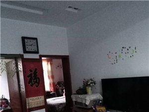 3室2厅1卫750元/月