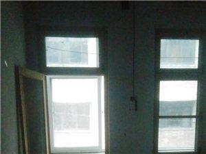 化肥厂家属院2室1厅1卫17.5万元