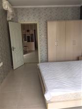 急租漂亮房伊比亚河畔2室2厅1卫2600元/月
