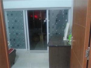 733怡和名士豪庭3室2厅1卫700元/月阁楼
