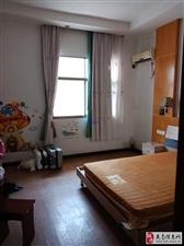 便宜小区房!3室1厅1卫1100元/月