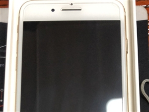 长阳李先生有一台苹果7P手机