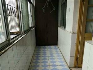 县医院家属楼3室2厅1卫48万元带储可按揭