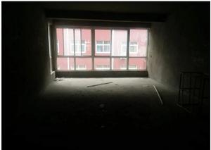 七里河畔3室出售,毛坯,朝南北现有1.2.3楼出售,总价低