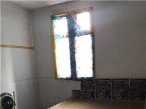 水南桥头附近,3楼,两个房间带厨房卫生间