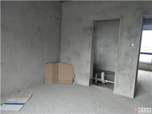 海南儋州亚澜湾4室2厅2卫103万元