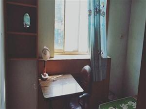 二汽老区2室1厅1卫1200元/月