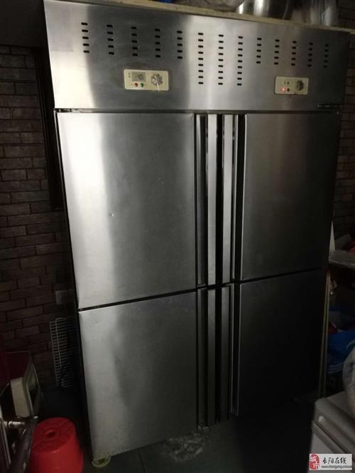 长阳柳先生低价出售二手乐创四门冷柜一台