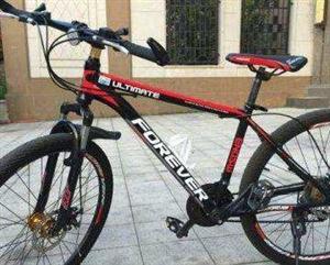 8成新的上海牌永久山地自行车,原价998元。