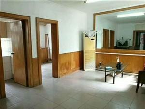 人行家属楼3室2厅1卫65万元带院+偏房