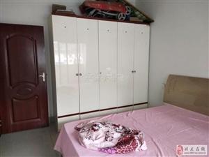 一号安置点精装大户型4室2厅2卫只租1500元/月