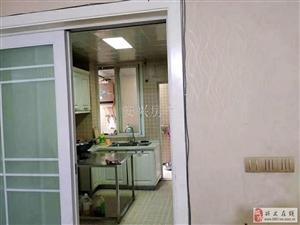 犀江盛景精装超大户型5室2厅2卫2600元/月