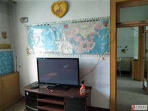 西苑小区3楼76平带家具+平板电视900元/月