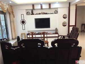 世纪豪庭3室2厅2卫127万元