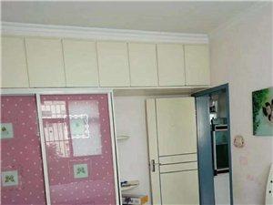 紫苑小学后4楼130平3室2厅1卫32万元