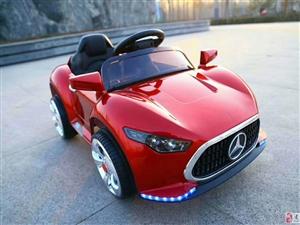 厂家直销新款儿童电动车汽车四轮摇摆双驱男女宝宝玩具