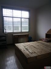松桃食品公司宿舍中装3室2厅2卫1250元/月