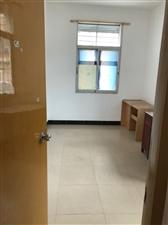 一中对面3室2厅2卫1500元/月150平