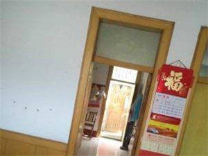 邹平县邮电局中兴宿舍区 80平米2室1厅带小院,带自建车库,42万