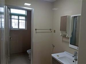 新时代小区6楼送阁楼3室2厅1卫68万元