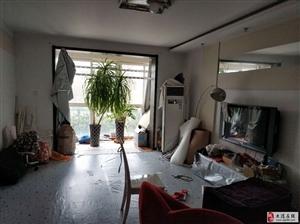 福华里二楼大三室双卫,稀缺房源拎包入住买到就赚到