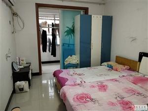 热带雨林附近四楼分证满五3室2厅1卫43万元