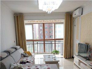 西亚斯御景3室2厅2卫2200元/月