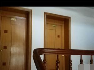 黄海大酒店旁单门独院6室3厅3卫240平158万