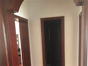鸿福花园精装修送车库3室2厅1卫95万元